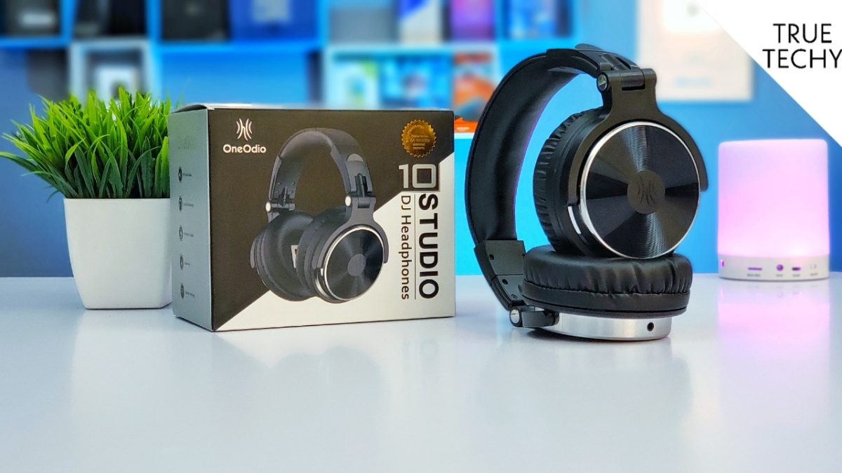 Best Professional Headphones Under 2200.